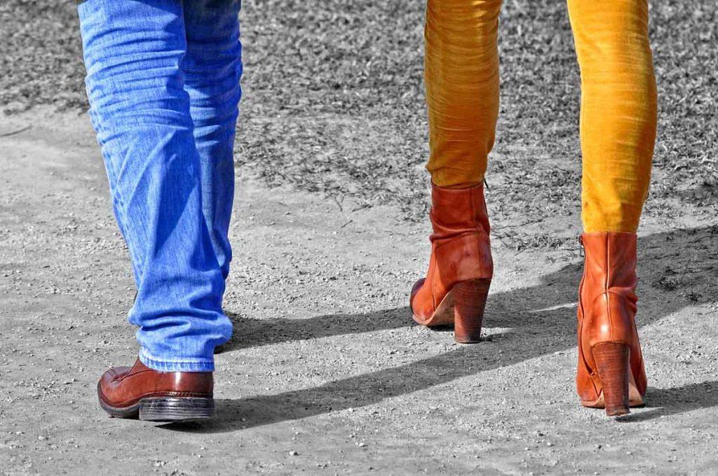 Herrenjeans Damenjeans Schuhe