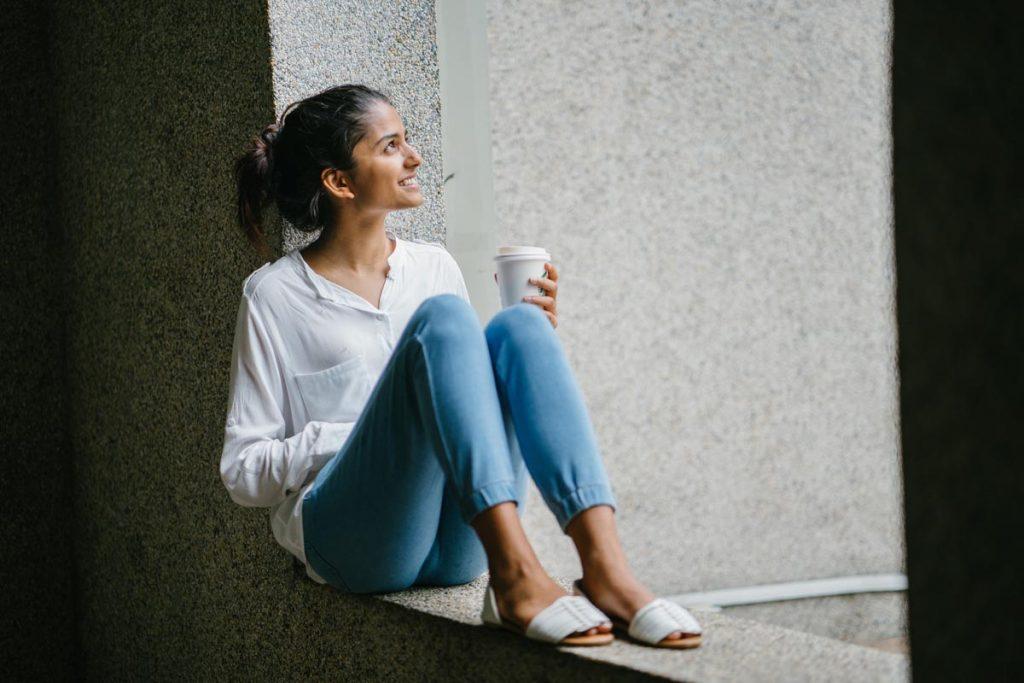 Damenjeans Pullover Kaffee