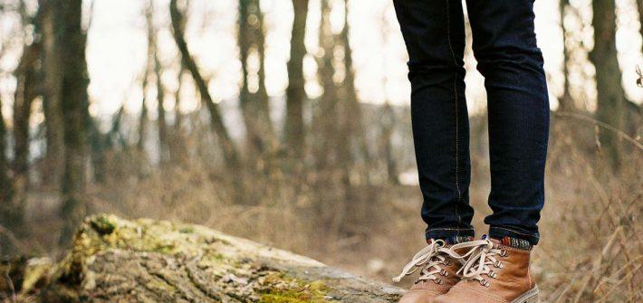 Wandern Wald Jeanshose