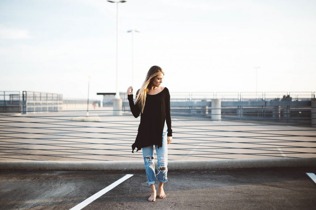 Pullover Jeanshose Frau