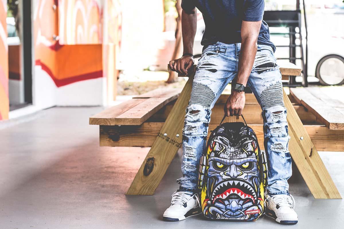 jeans mit l chern. Black Bedroom Furniture Sets. Home Design Ideas
