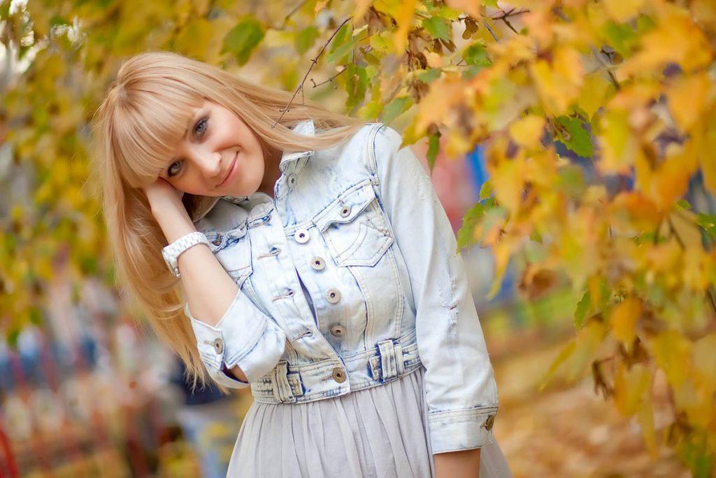 Jeansjacke Blondine Kleid