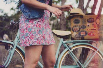 Kleid Jeansjacke Blumen
