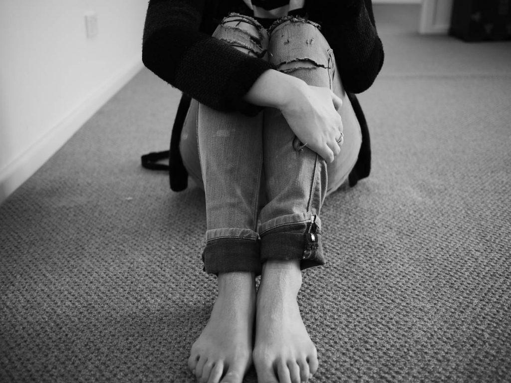 Cropped Jeans Füße