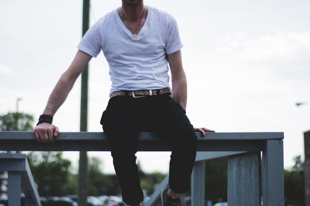 stoffhose schwarz shirt herren