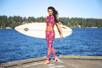 leggings blumen surfbrett frau