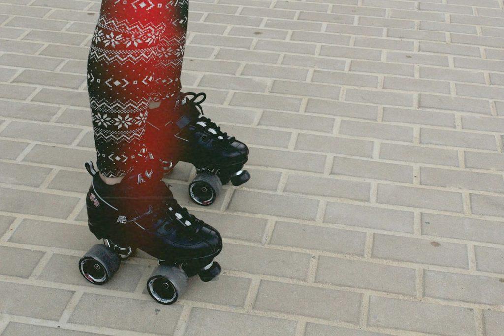 rollschuhe leggings norwegermuster straße