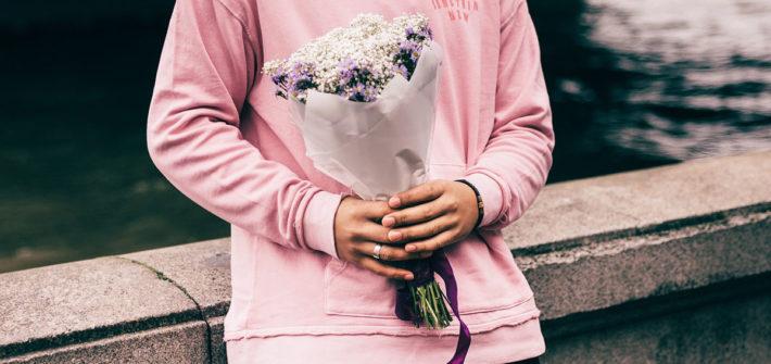 hoodie sweatshirt statement blumen